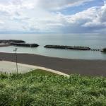 厚田海浜プールが見えます