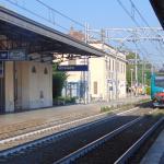 Estação Orvieto chegando o trem regional para ROMA
