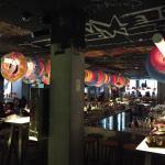 Chambre un peu petite Réception et restaurants à la deco complètement décalé !!