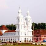The Scenic Kuravilangad Church (view from Ground)