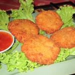 Tod Mun Goong-deep fried prawn cakes with sweet dipping sauce
