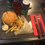 ภาพถ่ายของ Le Frenchy Burger