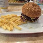 My bland & boring Burger, courtesy of Las Vacas!