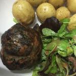 Caillette Ardéchoise ou côte de porc en croûte d'herbes. Un régal !!! 😁😀😆