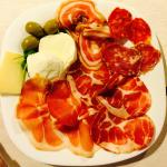 Litrico's Salami, Procuitto and Cheese Starter