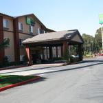 聖巴勃羅-里士滿地區智選假日飯店及套房