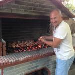 Вы можете бесплатно готовить мясо в Отеле.