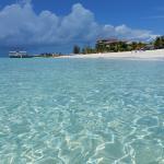 La spiaggia meravigliosa di fronte al Club Med