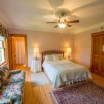 Snowbird Inn guest room