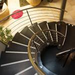 L'escalier...qui mène aux nos chambres