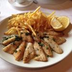 Жареная рыба из Женевского озера