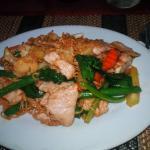 Nudel Khmer Art und geräucherter Lachs