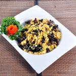 scramble egg with black fungus