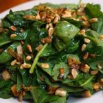 Spinach, caramelized fennel & pine nut salad