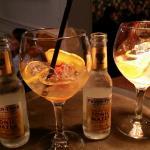 Gin mare met rozenbotel!