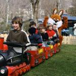 Kinderzug mit Osterhase