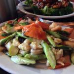 Chicken, Shrimp & Asparagus (white sauce)