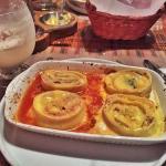 Muy rico el restaurante el plato principal va uno a la fija aunque un poco costoso pero su sabor