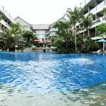 Ramada Encore's huge pool