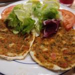 lahmadjoun: très bonnes mais trop rapide à manger !