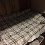 stapelbed in de 10-persoons slaapzaal