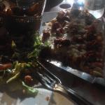 petite pizza + frites maison + salade