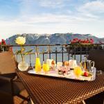 Petit déjeuner sur terrasse chambre - Côté Lac