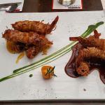 langostinos crocantes con salsa de tamarindo