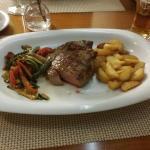 Bruschetta steak, 300gr medium steak with vegtables and potatos.