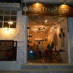 Royal Treat Cafe Foto