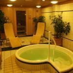 Wellnessbereich im Hotel gegenüber