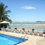 vista mar e praia da piscina externa