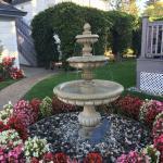 Lovely landscaping!