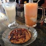 Floats and chocolate bacon cookie