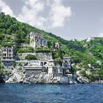 Join us in a fantasy tale! The Villa from the sea