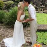 Hawaiian themed wedding photographs at a lovely location.