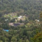 Vista de Las termas de Aguas Calientes desde el mirador El Pionero