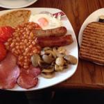 Lovely full breakfast-excellent potato scone!