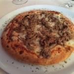 Pizza with veal