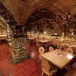 Restaurant Hilberkeller in Kuens bei Meran - Ristorante Hilberkeller a Caines nei pressi di Mera