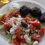Yiamas Greek Taverna KEFTEDES LUNCH