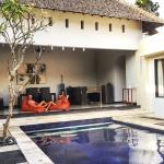 Photo de The Seminyak Suite Private Villa