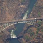 Heliflug über den Victoriafällen, Brücke nach Sambia