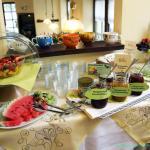 Ihr Hotel Alt-Connewitz in Leipzig Frühstücksbuffet mit hausgemachten Marmeladen