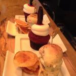 Gio - Slider with Halloween red velvet cupcake!!