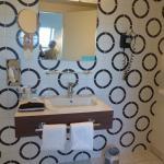salle de bain très confortable