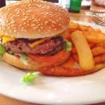 Cheeseburger und Pfefferminztee