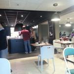 3 buffets à  volonté, entrées froides, plats chauds et desserts Attention au régime. ..