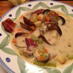 Amazing clam chowder with crispy bacon!