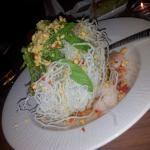 Crispy noodles prawns